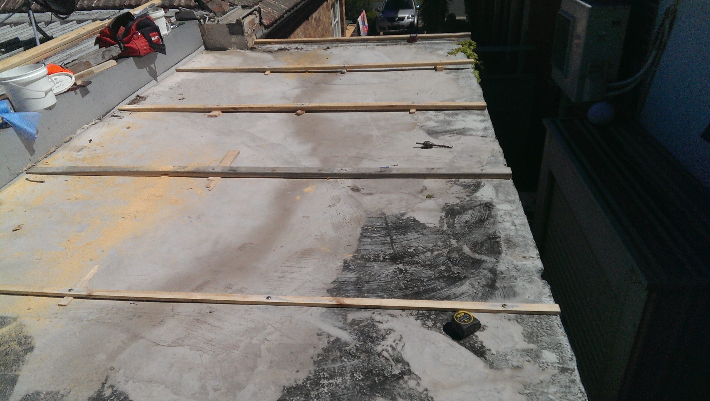 how to stop concrete roof leaking